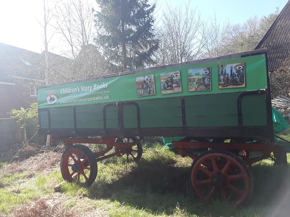 Trailer with its new banners